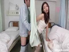 病室で浮気SEX