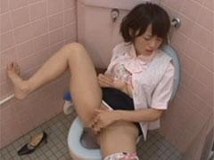 トイレでオナニー