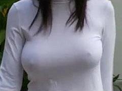 透けてる乳首